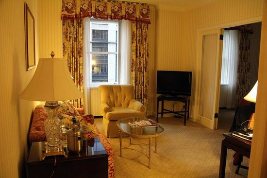 The Fairmont Olympic Seattle : King Executive Suite
