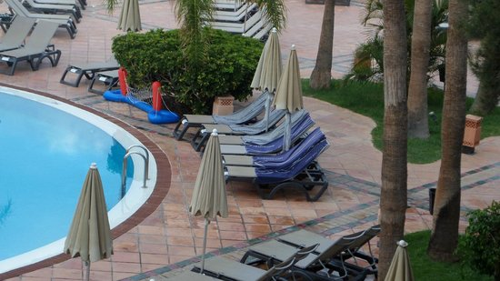 H10 Costa Adeje Palace : Put your towel on the chair mentality