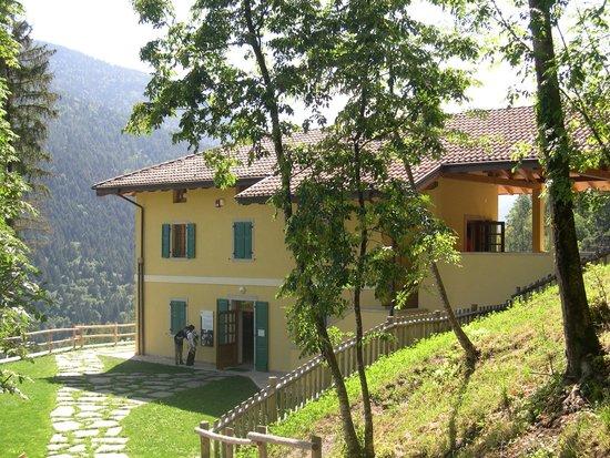 Stenico, Italy: casa flora