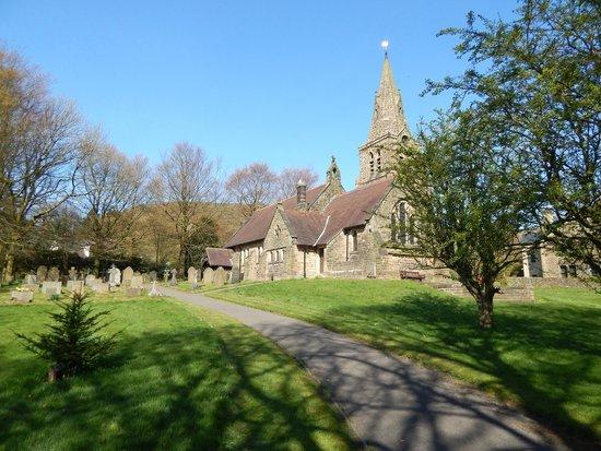 Kinder Scout: Edale church