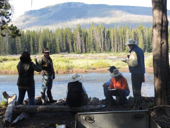 Yellowstone Wilderness Outfitters: Around the camp fire