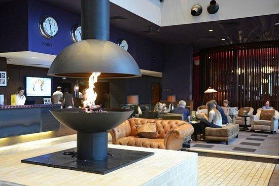 Malmaison Liverpool: hotel lounge / reception