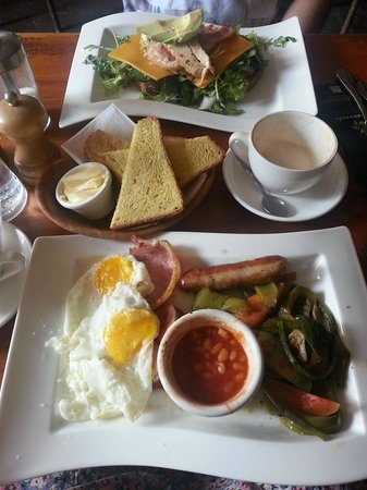 Greenwoods: Club sandwich and Full English breakfast