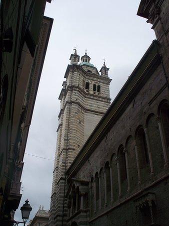 Cattedrale di San Lorenzo - Duomo di Genova : torre campanaria