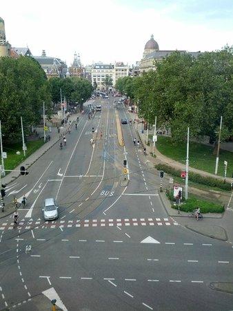 Marriott Amsterdam: View from the 6th floor room, overlooking Liedesplain