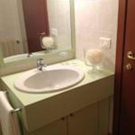 Affittacamere Maffioleti: bagno in camera