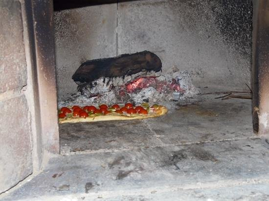 Villa Le Ginepraie: Wood fired pizza oven