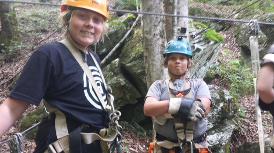 Pigeon River Canopy Tours : Both of the boys waiting to go