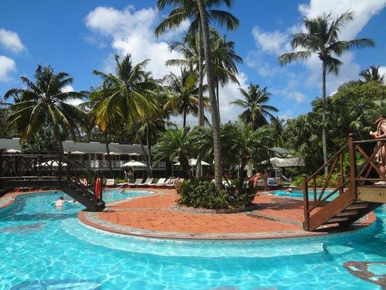 Sandals Halcyon Beach Resort : Quiet Pool
