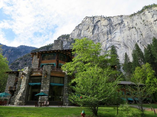 The Majestic Yosemite Hotel: Outside the dining room of the Ahwahnee
