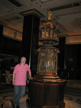 Waldorf Astoria New York: Famous Clock