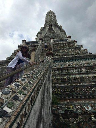 Anantara Riverside Bangkok Resort : Scared at Wat Arun