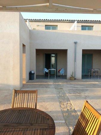 Casina Miregia: Blick auf die Zimmer mit Veranda