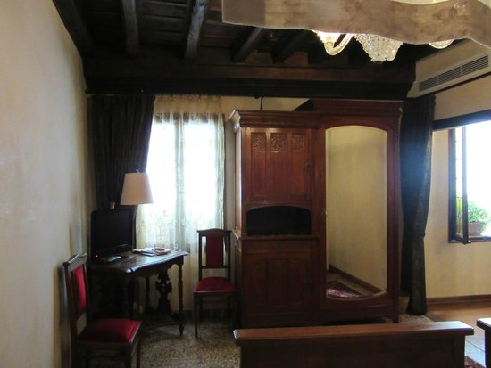 Novecento Boutique Hotel: Chambre