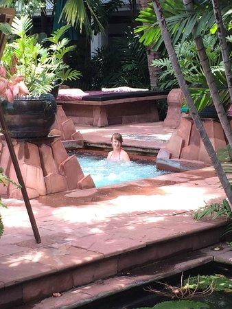 Anantara Riverside Bangkok Resort: Jaccuzi