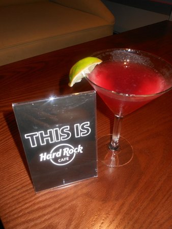 H10 Las Palmeras : Beautiful Cosmopolitan Cocktail from Hard Rock