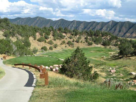 Lakota Canyon Golf Course: View from the tee box