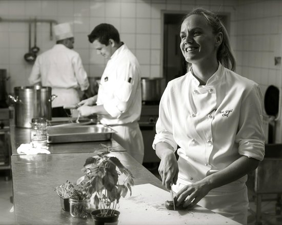 Mirjana Poljar Pastry Chef Picture Of Le Bistro
