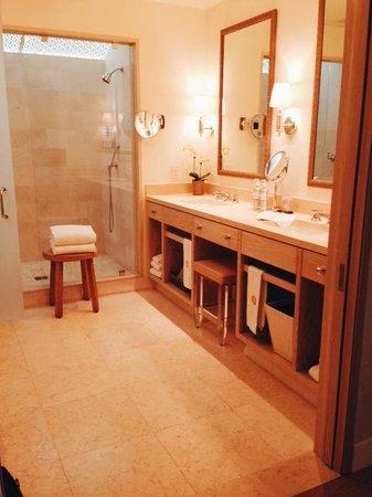 Auberge du Soleil : Bathroom