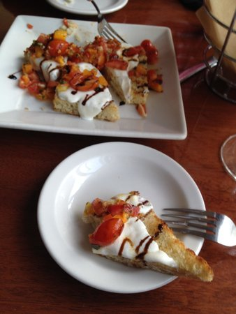 411 West Italian Cafe: Bruschetta!