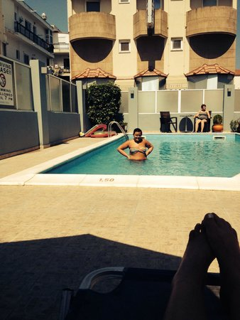 Ialyssos City Hotel : Line