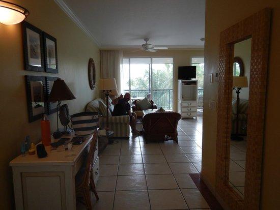 Sands at Grace Bay: Entry/living room