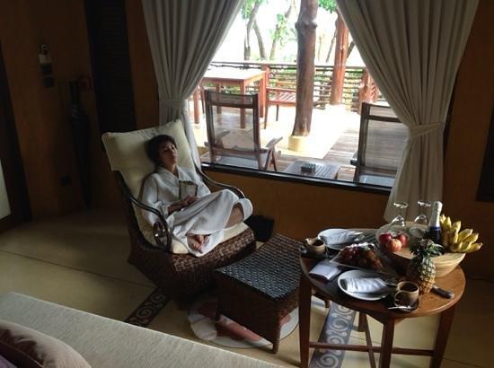 โรงแรมปารดี: гостиная зона