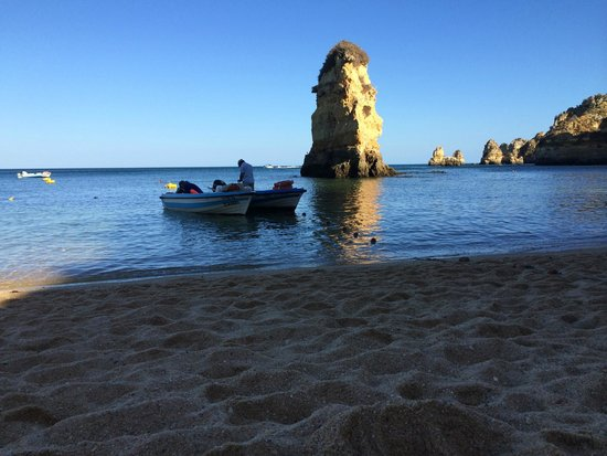 Praia Dona Ana: Quando il sole comincia a tramontare