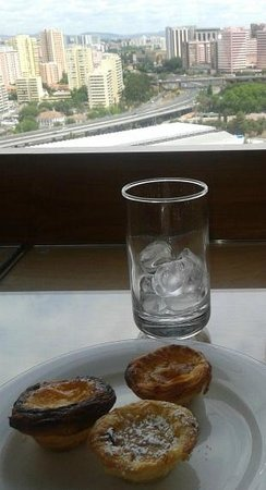 "Corinthia Hotel Lisbon: ""Pastel de Belem"" at Executive club lounge"