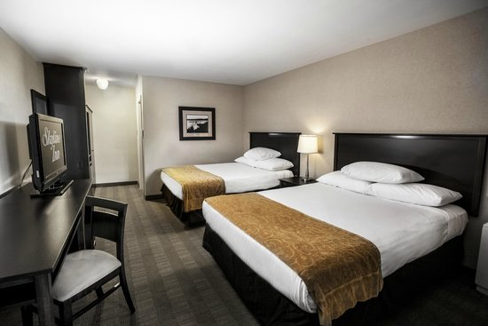 Skyline Hotel & Waterpark: Skyline offers spacious and comfortable rooms & suites