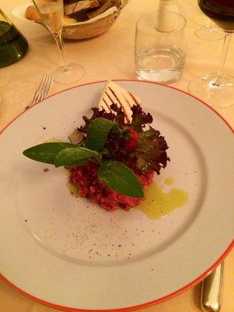 Taverna Del Bronzino: Tartare di manzo con tartufo...divina!