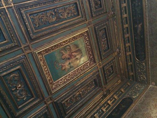Palazzetto Pisani: Deluxe Del Doge room ceiling