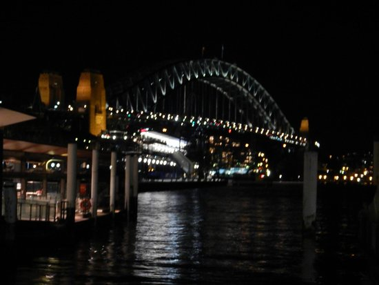 Sydney Harbour Bridge: The bridge at night