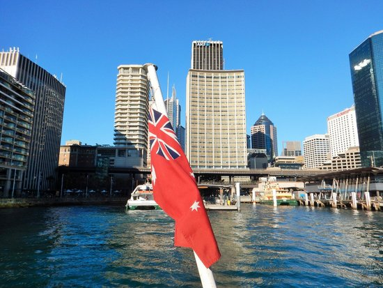 Sydney Ferries: A view approaching the wharf from the ferry