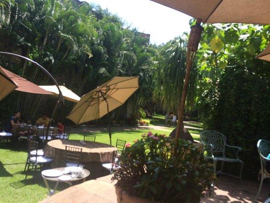 Fiesta Americana Hacienda San Antonio El Puente Cuernavaca: Desayuno al aire libre