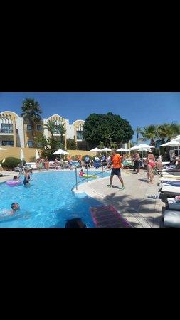 Aparthotel Paradise Club & Spa: Hotel Animation Team n Staff Dancing to Shine On by Rio