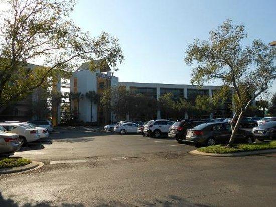Clarion Inn Lake Buena Vista: Estacionamento