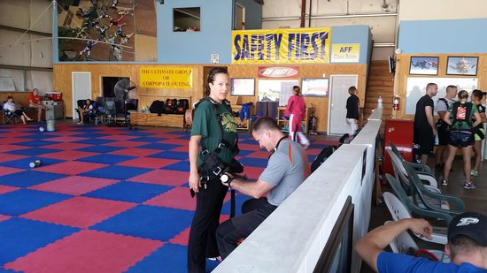 Skydive Indianapolis: me getting ready