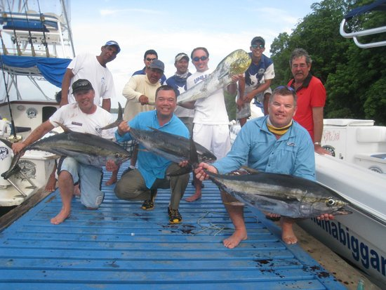 Panama Big Game Fishing Club: Blue Waster Readers Group two with Ahi catch