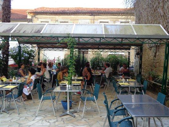 Hotel Restaurant du Midi: Bien manger dans un resto sympa !