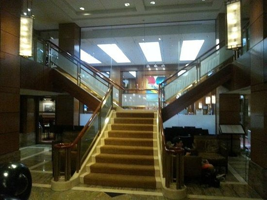 Kitano New York : View of Staircase in Main Lobby
