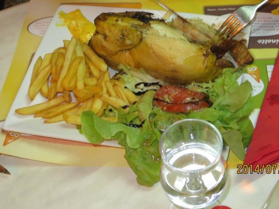 Le Moon's: Poulet (roast half-chicken), comes with salade & frites