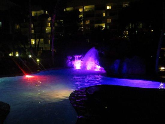 Aruba Marriott Resort & Stellaris Casino: Pool with waterfall at night