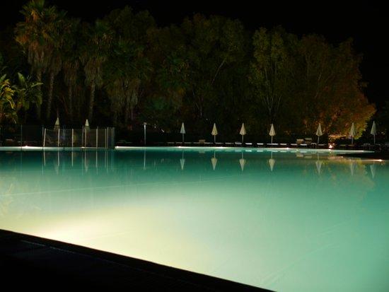VOI Arenella resort: piscina
