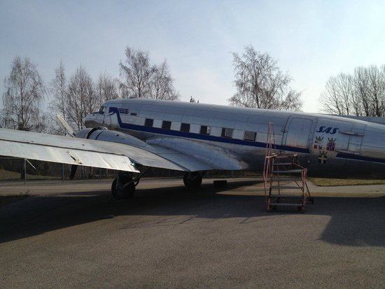 Hotell Roslagen: Old airplane