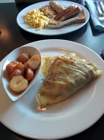 Bistro Narra: Norwegian crepe and German breakfast in the background