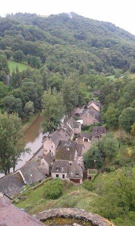 Chateau Belcastel : vue sur le village