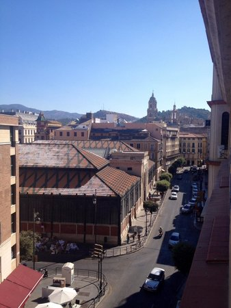Atarazanas Malaga Boutique Hotel : The view from my room when you stick your head out of the window and look left!
