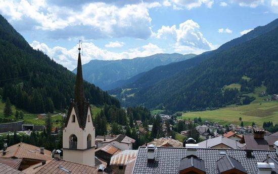 Ciasa Alpina Relax Hotel: panorama