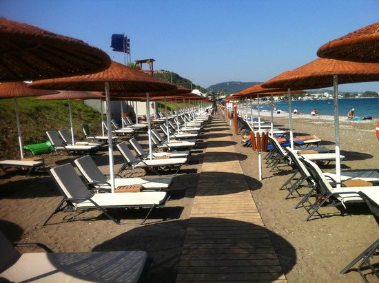 Sheraton Rhodes Resort : plage privée
